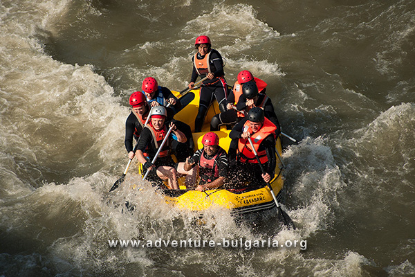 Team programs with rafting, boats, rafts and kayaking in Bulgaria